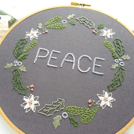 christmas-wreath-hand-embroidery-pattern